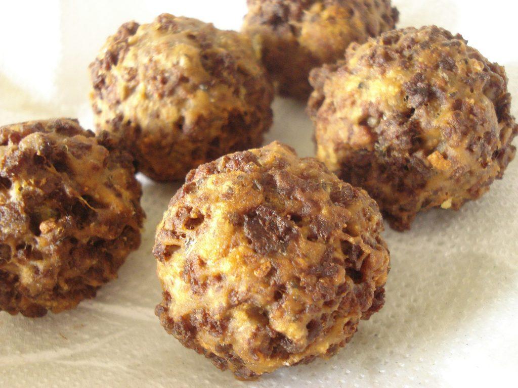 Almondegas-recheadas-com-Queijo-vegetal-3[1]