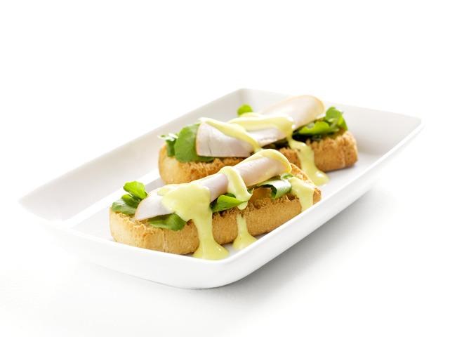 Peitos de Peru com Molho de Iogurte