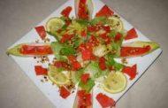Salada de Endívias com Salmão Fumado e Pinhões