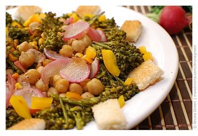 Salada de brócolos agridoce