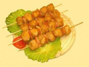 Espetinhos de frango (microondas)