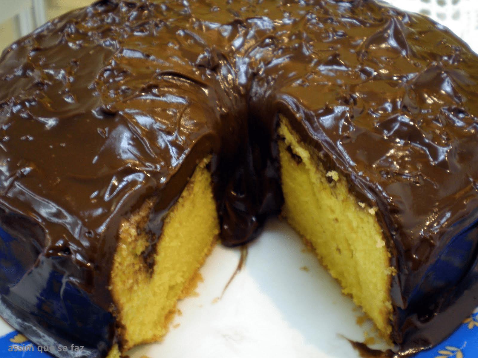Bolode Cenoura com Cobertura de Chocolate
