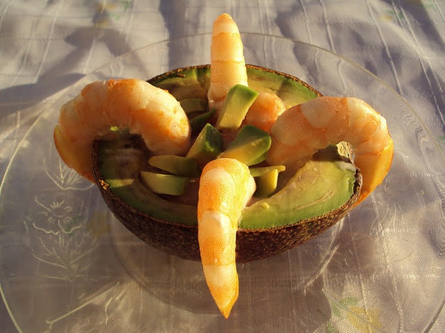 Abacate Recheado com Gambas