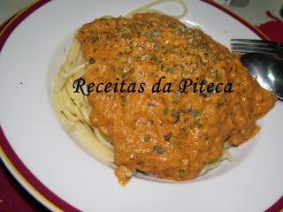 tomate frito com esparguete