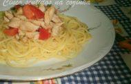 Esparguete de Galinha com Tomate