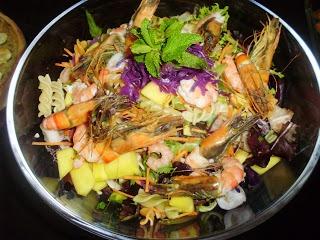 Salada de marisco e abacate