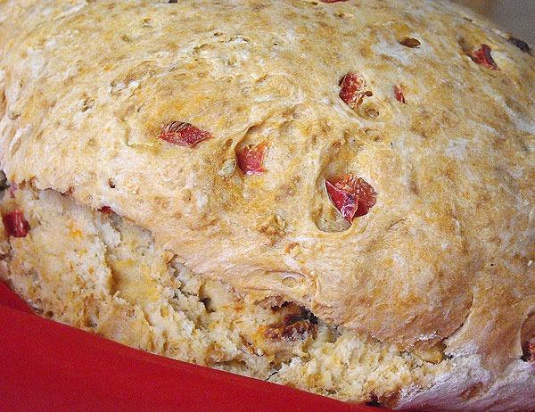 Pão Rústico de Cerveja e Tomate Seco