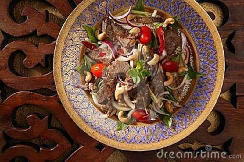 Salada Tailandesa de Carne