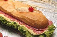 Sanduíche de metro com salame