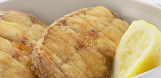 Peixe Frito com Arroz de Espinafres
