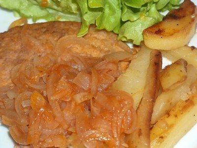 Carne cozida com cebolada