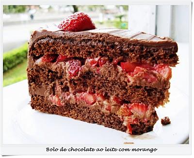 Bolo de Chocolate com Morangos