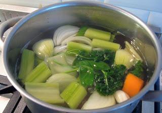 Caldo básico de legumes
