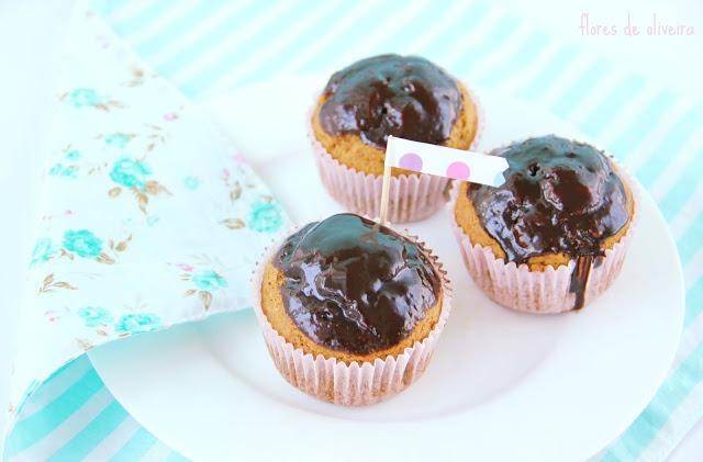 Muffins de cenoura com pepitas de chocolate