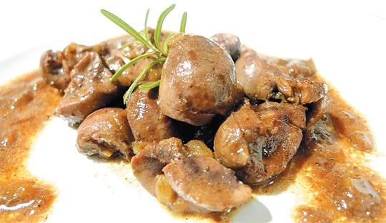 Guisado de rim com batatas (ou mandioca)