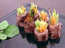 Rolinhos de carne e vegetais