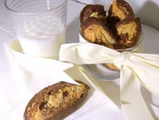 Bolachas de Alfarroba Avelã e Chocolate