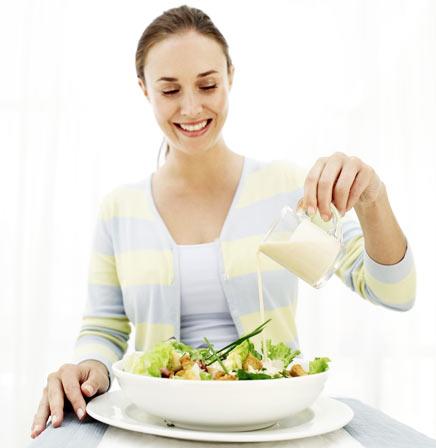 Molho dietético (e saudável) para saladas cruas