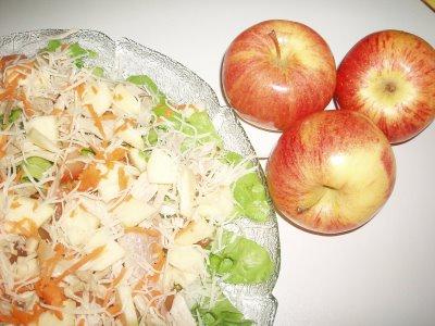 Salada de galinha com maçã