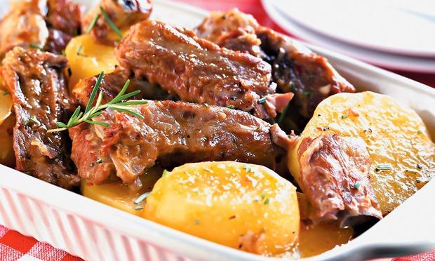 Costelinhas de Porco com Batatas