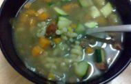 Sopa de lentilha com paio
