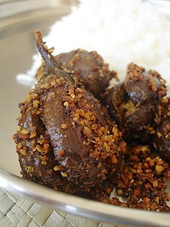 Kothimeera Kaaram Petti Vankaya Koora-brinjal with coriander